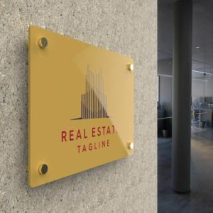 Targa da esterno in plexiglass oro in pasta personalizzata.jpg